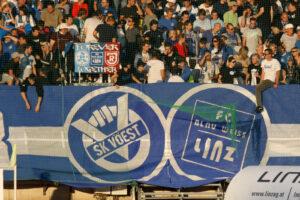 Vom SK VÖEST zum FC Blau Weiß Linz. Der Weg war steinig, aber er hatte sich gelohnt. Foto: Johann Schornsteiner