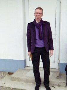 ... und hier als künftiger Meister-Trainer am 9. März 2013 vor dem 0 : 0 der Wiener Austria beim SC Wiener Neustadt. Beide Fotos: oepb