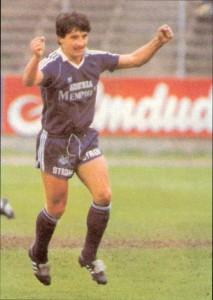 Alfred Drabits freut sich über das 1 : 0 gegen den LASK, damals, im Oktober 1981. Foto: oepb