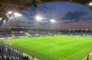 2012 zog der SKN St. Pölten vom alten Voith-Platz aus und spielt seit dieser Zeit in der neu erschaffenen NV-Arena. 8.000 Zuschauer fasst dieses reine Sitzplatz-Stadion-Areal. Foto: oepb