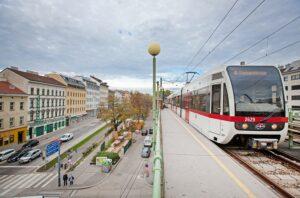 Blick auf eine Wiener U-Bahn-Linie 6 in der österreichischen Bundeshauptstadt, die von Florisdorf nach Siebenhirten fährt. Foto: Manfred Helmer