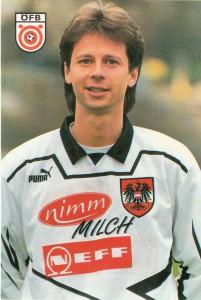 Peter Schöttel 27-jährig als ÖFB-Teamspieler des Jahres 1994. Autogrammkarte / Sammlung: oepb