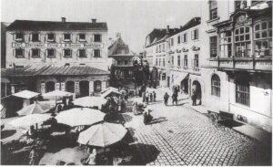 So fing dereinst alles an. Ein Blick auf den Alt-Urfahraner Marktplatz an der Ottensheimer Straße. Foto: Sammlung oepb