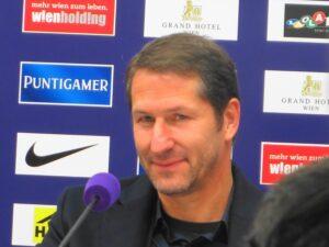 Franco Foda ist ab sofort der neue Teamchef. Erstmals in der 113-jährigen Geschichte des ÖFB übernimmt ein Deutscher dieses Trainer-Amt. Foto: oepb