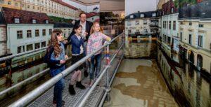 """Gerade auch die niederösterreichische Stadt Melk wurde in früheren Jahrzehnten oftmals vom Donau-Hochwasser heimgesucht. In der Ausstellung """"Gewaltig. Extreme Naturereignisse"""" kann man sich sehr anschaulich ein Bild davon machen. Foto: Pressefoto Lackinger"""
