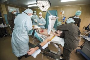 Blick in den Operationssaal der Feldambulanz. Foto: BMLVS / JAECKWAEHRT
