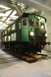 Die Elektrolok 1060.001 ist eine Elektrolokomotive der k.u.k. Österreichischen Staatsbahn des Jahres 1912. Sie hatte eine Gewicht von 55 t. Foto: Technisches Museum Wien