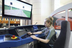 Im Fahrsimulator der Taurus 1116 Lokomotive können die Besucher selbst Hand anlegen. Foto: Technisches Museum Wien
