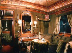 Die Innenansicht des Hofsalonwagens HZ 0011 der k.u.k. Österreichischen Staatsbahn. Dieser hatte ein Gewicht von 18 t. Foto: Technisches Museum Wien