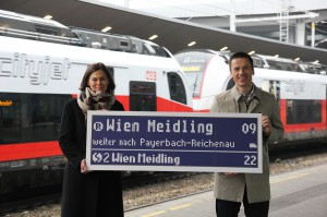 Silvia Angelo, Vorstandsdirektorin ÖBB-Infrastruktur AG, und Robert Tüchler, Projektleiter Relaunch Wiener Schnellbahn ÖBB-Infrastruktur AG. Foto: ÖBB / Beer