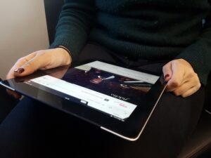 Die ÖBB setzen die Digitalisierungsoffensive konsequent fort. Ab sofort gibt es durchgehend gratis WLAN in allen ÖBB Railjets von und nach Deutschland, Italien, Schweiz, Tschechien und Ungarn. Foto: ÖBB / Krautschneider