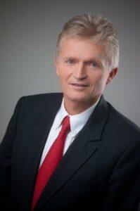 Univ. Prof. Dr. Wolfgang Gstöttner, Vorstand der Universitätsklinik für Hals-, Nasen- und Ohrenkrankheiten in Wien