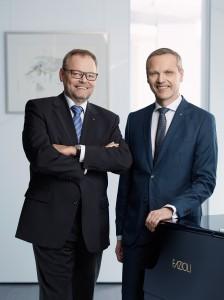 Generaldirektor Dr. Josef Stockinger (links) und sein Pendant Mag. Othmar Nagl von der Oberösterreichischen Versicherung AG zogen anhand eines Pressegespräches in Linz am 20. Dezember 2017 eine zufriedene Bilanz über das abgelaufene Versicherungs-Jahr 2017. Foto: OÖ-Versicherung