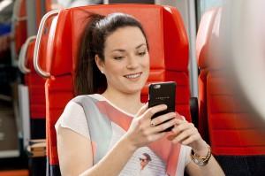 Die Kooperation zwischen ÖBB und APA-DeFacto ermöglicht den Cityjet-Reisenden einen kostenlosen Zugang zu Zeitungen und Magazinen des digitalen Zeitungsstandes Austria-Kiosk. Foto: ÖBB / Harald Krischanz