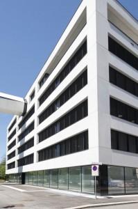 Blick auf die Oberbank Firmenzentrale an der Linzer Donaulände. Foto: VALETTA