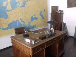 Blick auf den Schreibtisch von Oskar Schindler. Foto: Mag. phil. Florian Müller / Museum NÖ
