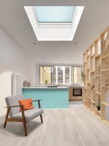 ... ein begehbares Flachdachfenster für eine ... Foto: FAKRO Dachflächenfenster GmbH