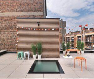 ... perfekte Dachterrasse. Foto: FAKRO Dachflächenfenster GmbH
