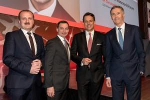 Von links: Alois Wögerbauer (Geschäftsführer der 3 Banken-Generali Investment-GmbH), Erich Stadlberger (Direktor Private Banking & Asset Management, Oberbank), Christoph Boschan (CEO der Wiener Börse AG) und Josef Weißl (Vorstandsdirektor der Oberbank). Foto: Oberbank / Eric Krügl