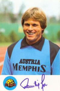 Friedl Koncilia im Sommer 1980 im Dress der Wiener Austria. Autogrammkarte/Sammlung oepb