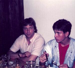 Am Ende einer grandiosen Spielzeit. Die Austria feiert den Titelgewinn am 7. Juni 1985 in Wien-Oberlaa. Friedl Koncilia (links) beendete danach seine aktive Laufbahn. Foto: oepb