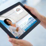 Um die Wünsche der Kunden umfassend erfüllen zu können, bietet VALETTA zusätzlich zur persönlichen Betreuung Onlinedienste für Private und Händler. So kommt das volle digitale Potential des Unternehmens zum Einsatz. Foto: VALETTA/shapecharge - iStockphoto