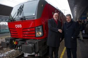 Vorstandsvorsitzender der ÖBB-Holding Andreas Matthä (links) und Wolfgang Hesoun, CEO Siemens Österreich anlässlich der Lok-Präsentation am 5. März 2018 in Wien. Foto: ÖBB / Christian Zenger