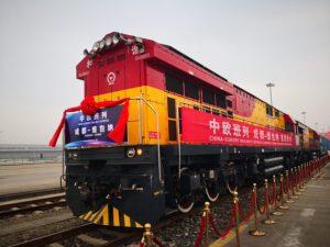 Die Rail Cargo Group bringt neue Chinaverbindung auf Schiene. Der 600 Meter lange Containerzug legt knapp 10.000 Kilometer über die nördliche Seidenstraße zurück. Foto: Nina Gou Xuang Feng