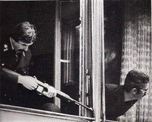 Im Haus gegenüber in der Ederstraße gingen Scharfschützen der Polizei in Position. Foto: privat/oepb
