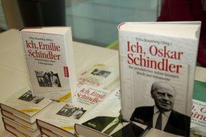 Erika Rosenberg-Biographien über Emilie und Oskar Schindler. Foto: Museum Niederösterreich