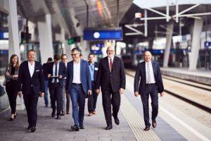 Gemeinsam mit den Mobilfunkbetreibern  A1 Telekom Austria AG, Hutchison Drei Austria GmbH und T-Mobile Austria  rüsten die ÖBB ihre Bahnstrecken mit Mobilfunk aus. Foto: ÖBB / Marek Knopp