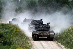 Der Zug besteht aus vier Panzern, die sich gegenseitig unterstützen. Angetrieben werden die 55 Tonnen schweren Kampffahrzeuge von 1.500 PS-starken Motoren. Foto: BMLV