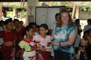 Gaby Schwammer im College von Laginagala auf Sri Lanka. Foto: Archiv Schwammer