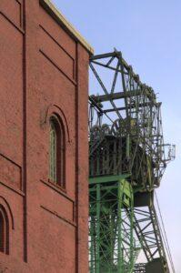In Bochum befindet sich auch das Deutsche Bergbau-Museum. Hier ein Blick auf die Zeche Carolinenglück Schacht 2/3 der Stadt. Foto: Klartext Verlag / Rolf Arno Specht