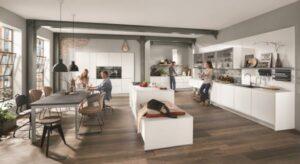 Raumkonzept von SERVICE&MORE: Wer auf Möbel und persönliche Beratung vom Qualitätsanbieter setzt, genießt nicht nur langfristige Wohnfreude über den Umzug hinaus, sondern liegt damit voll im Trend. Foto: SERVICE&MORE