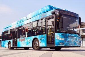ÖBB Postbus startet erstmalig den Testbetrieb eines Wasserstoffbusses in Österreich. Der emissionsfreie Wasserstoffbus ist für die Dauer von drei Wochen auf der Strecke der Vienna Airport Lines im Einsatz. Foto: ÖBB / Marek Knopp