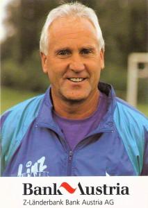 Die Wertschätzung beim SK VÖEST ging soweit, dass auch der Torwart-Trainer eine Autogrammkarte als begehrtes Sammel-Objekt für die Jugend erhielt. Albin Köstenbauer, hier während der Saison 1991/92 beim zwischenzeitlichen FC Stahl Linz. Sammlung: oepb