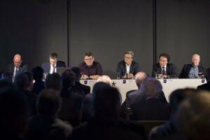 Von links: Ralf Muhr, Markus Kraetschmer, Wolfgang Katzian, Rudolf Reisner, Raimund Harreither, sowie Karl Blecha. Foto: Markus Reitler