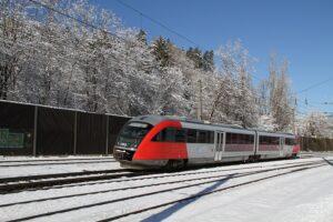 ... der Weg zu einem für die Kunden reibungslosen Bahnreise-Vergnügen setzt immer wieder strategische Planungen und detailgetreue Vorbereitungen voraus. Beide Fotos: ÖBB / Posch