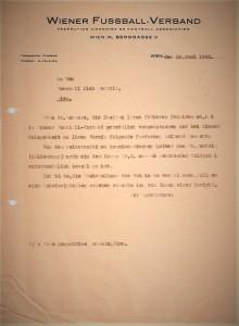 """Die Gattin von Dr. Emanuel """"Michl"""" Schwarz bemühte sich nach dem Krieg, dass der zu Unrecht entwendete Goldpokal wieder in den rechtmäßig Besitz zurückgelangt. Sammlung: oepb"""