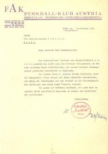 Die Austria war nach 1945 darum bemüht, die in alle Windrichtungen verstreuten Spieler und Funktionäre wieder unter dem violetten Band zu vereinen. Anhand dieses Briefes wollte man den langjährigen Präsidenten Dr. Emanuel Schwarz zur Rückkehr nach Wien animieren - was auch gelang. Sammlung: oepb