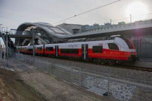 Zweigleisig und elektrifiziert zwischen Wien Erzherzog-Karl-Straße und der neu errichteten Haltestelle Wien Aspern Nord. Nach gut zwei Jahren Bauzeit haben am Freitag, 30. November 2018 ...
