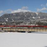 """Um die dringend nötig gewordenen Klimaziele in Österreich auch wirklich zu erreichen, ist der Umstieg vom PKW auf die Bahn ein absolutes """"Must"""" und stellt ein """"Gebot der Stunde"""" dar! Foto: ÖBB / Posch"""