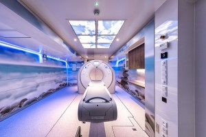 Blick in einen Canon Medical CT Trailer Scan Raum. Foto: Canon Medical