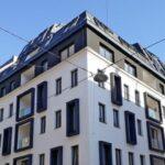Blick auf ein Zinshaus zu Wien-Margareten mit mehr Tageslicht. Foto: FAKRO / Rustler Gruppe