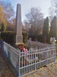 Die oberösterreichische Landeshauptstadt Linz widmete am St. Barbara-Friedhof Adalbert Stifter ein Ehrengrab. Foto: oepb
