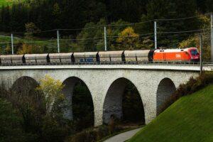 Die Rail Cargo Group und Digital Logistics LLC unterzeichneten nun eine Absichtserklärung zur Digitalisierung von operativen Abläufen über die europäische Grenzen hinweg. Foto: ÖBB-RCG / RCA David Payr