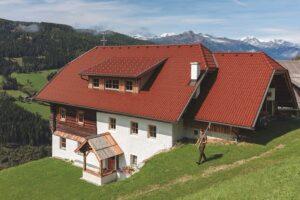 Eine aktuelle Studie besagt: Jeder achte Sanierer in Österreich plant eine Dachsanierung. Foto: BMI Bramac