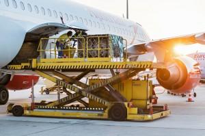 Während die österreichische Bundeshauptstadt Wien langsam erwachte, kam am Flughafen in Schwechat ...