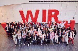 Beim diesjährigen Wiener Töchtertag haben die ÖBB wieder 45 Mädchen ...